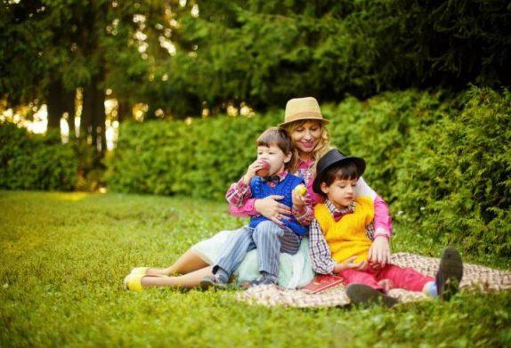 Ученые: игры в лесах и парках повышают иммунитет ребенка