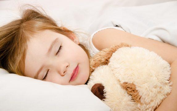 Доктор Комаровский рассказал, сколько должны спать дети разного возраста