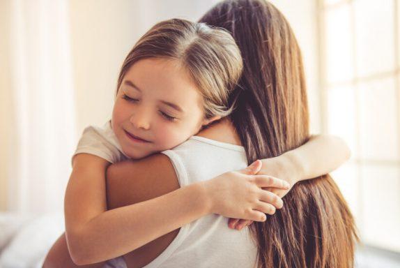 Психологи рассказали, как родителям выявить признаки стресса у детей