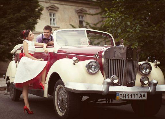 Свадебное торжество в стиле 60-х годов