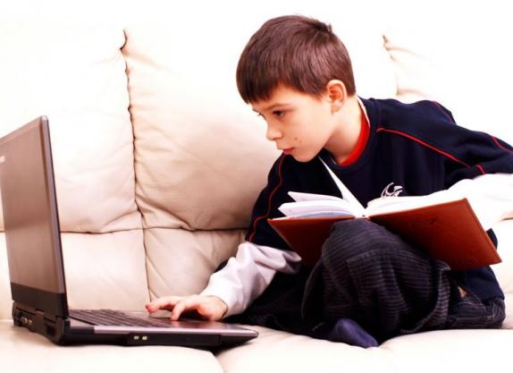 Психолог Наумова рассказала, как сохранить продуктивность ребенка на дистанционном обучении
