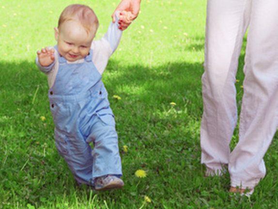Неуклюжий малыш: помогите ему обрести равновесие