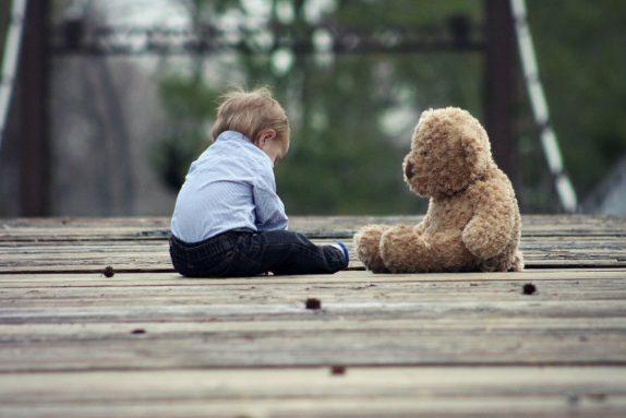 Первая помощь при детских травмах: как спасти своего ребенка