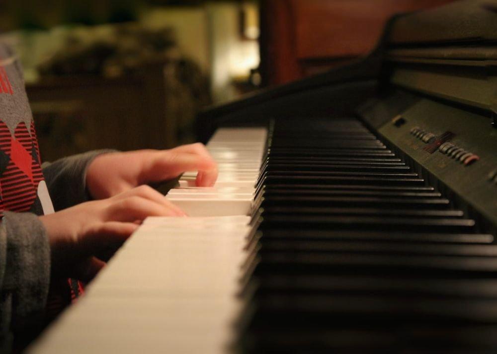 Начинать учить детей музыке нужно в раннем возрасте