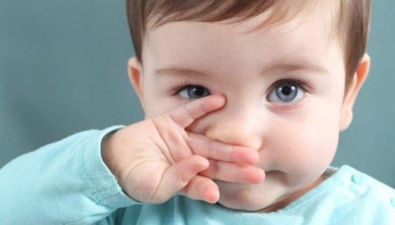 Чем опасен хронический ринит для ребенка?