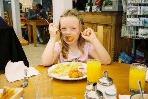 Топ-5 самых вредных продуктов для детского питания
