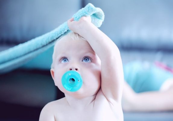 Детские соски лучше не мыть химией