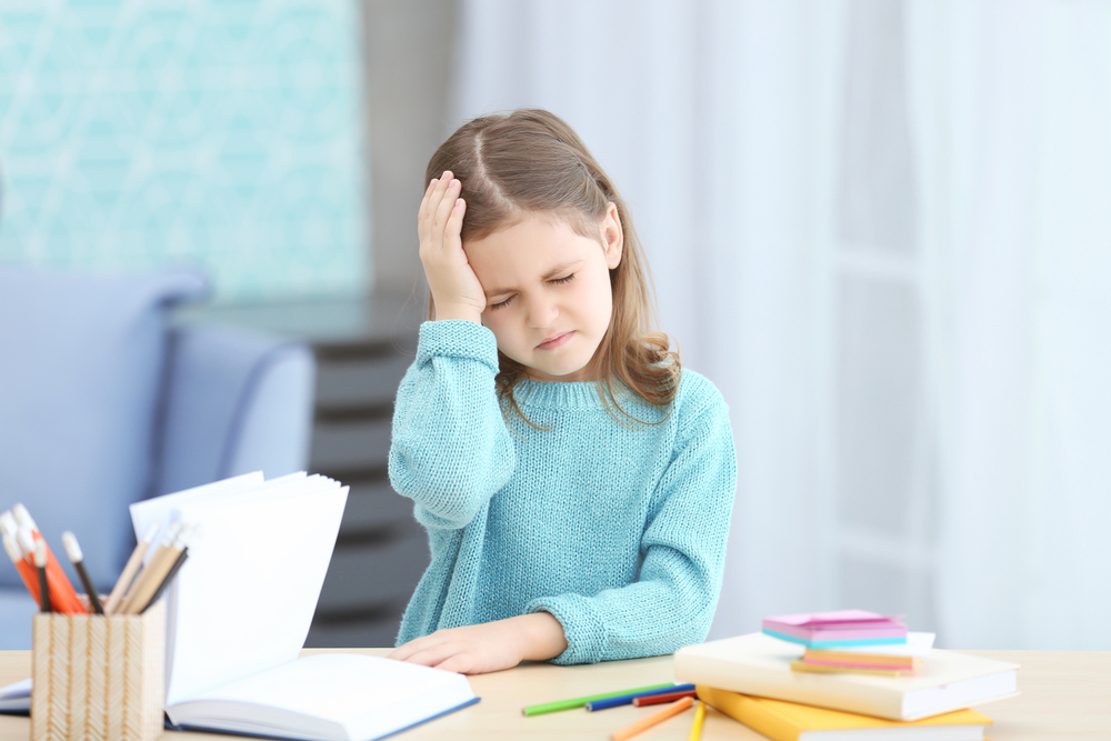 Болит голова у ребёнка: что делать и как лечить головную боль?