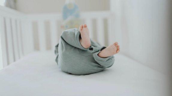 Мягкие постельные принадлежности сопутствуют большей части внезапных детский смертей