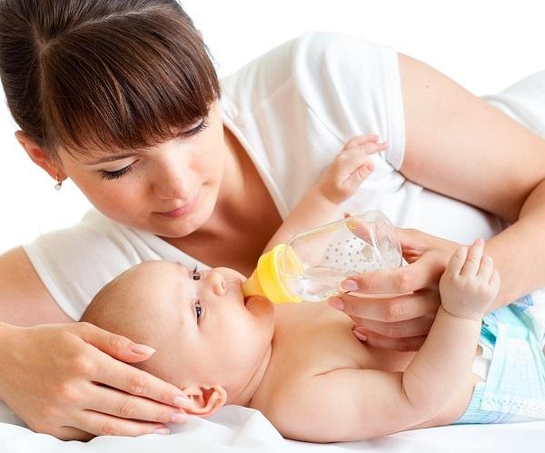 6 самых вредных заблуждений о детях до года