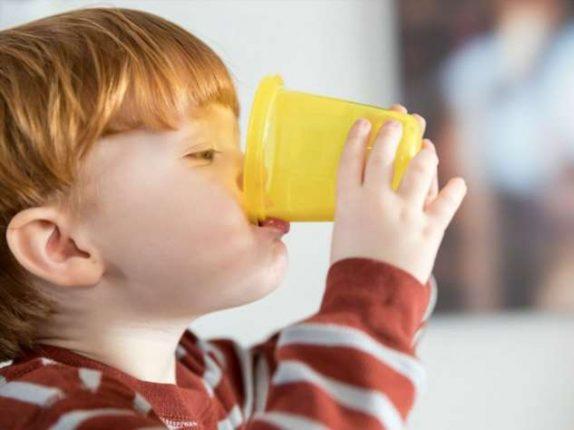 Жирное молоко не вредно для детей