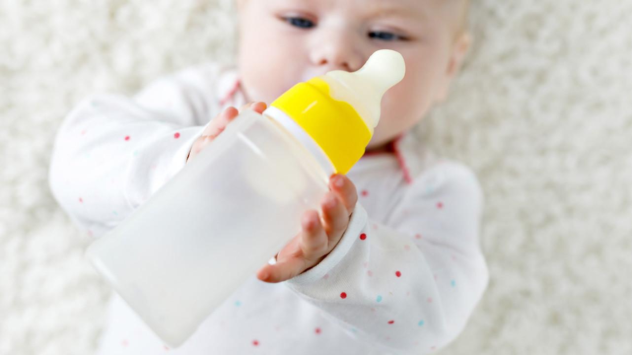 Неправильное кормление младенцев на 50% повышает риск ожирения в дошкольном возрасте