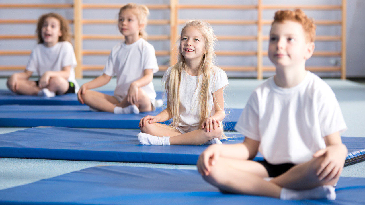 Практики осознанного дыхания значительно улучшают качество сна школьников