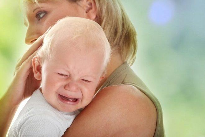 Чем ребенок часто травмируется дома и как этого избежать – ответ доктора Комаровского