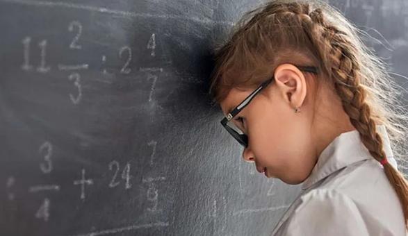 Психолог подсказала, как помочь ребенку адаптироваться к школе