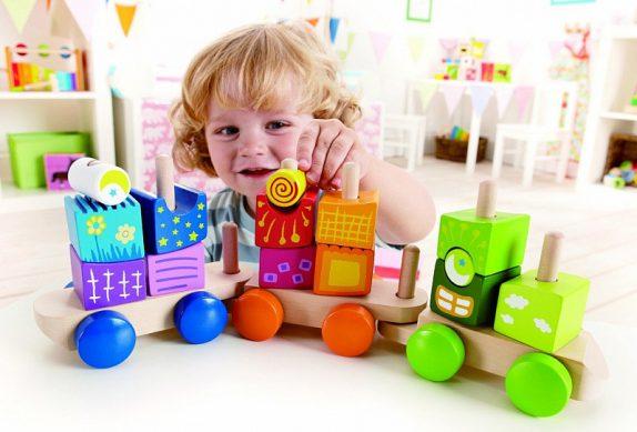 Выбор игрушек для малышей