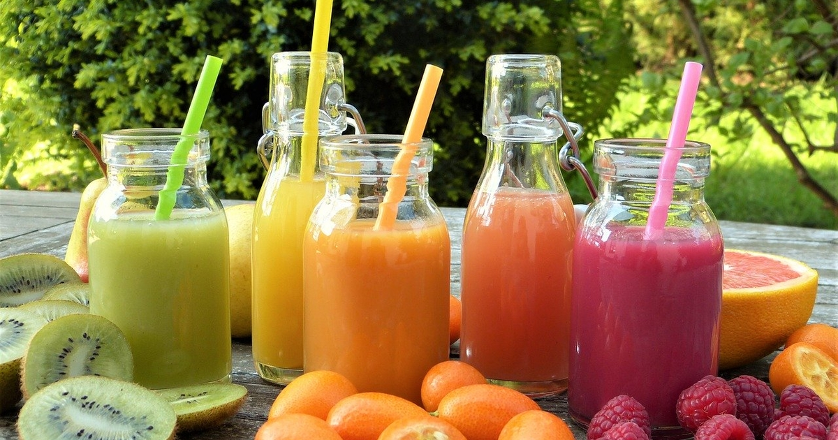 Доктор Комаровский ответил, почему не стоит давать детям фруктовые соки